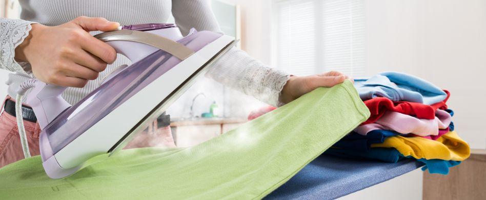 Richtig bügeln: 5 Tipps für glatte Wäsche