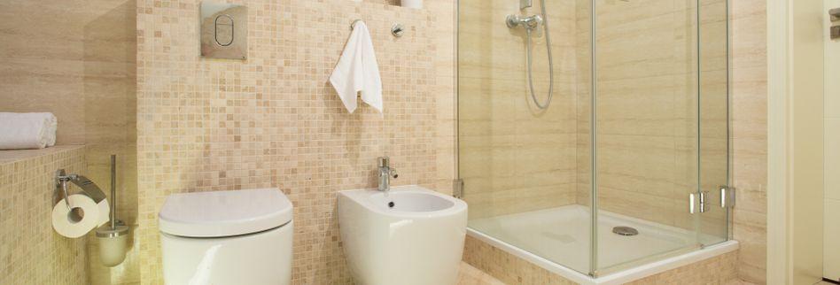 Dusche reinigen: So kriegen Sie die Glaskabine sauber