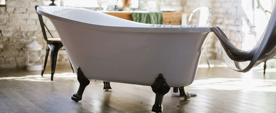 Badewanne reinigen: Tipps & Hausmittel für Acryl und Emaille