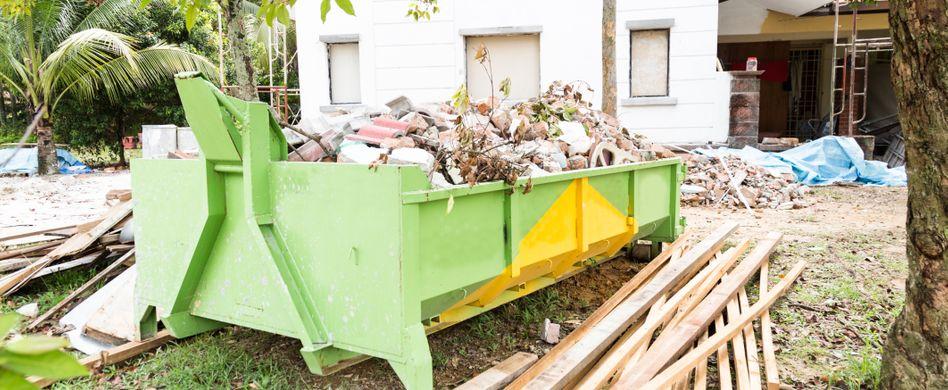 Bauschutt entsorgen: Was darf in den Container, was nicht?
