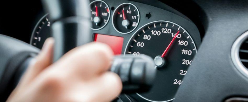 Schneller als die Polizei erlaubt: In diesen Fällen dürfen Sie zu schnell fahren